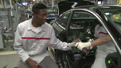 FC Bayern in der Audi Produktion