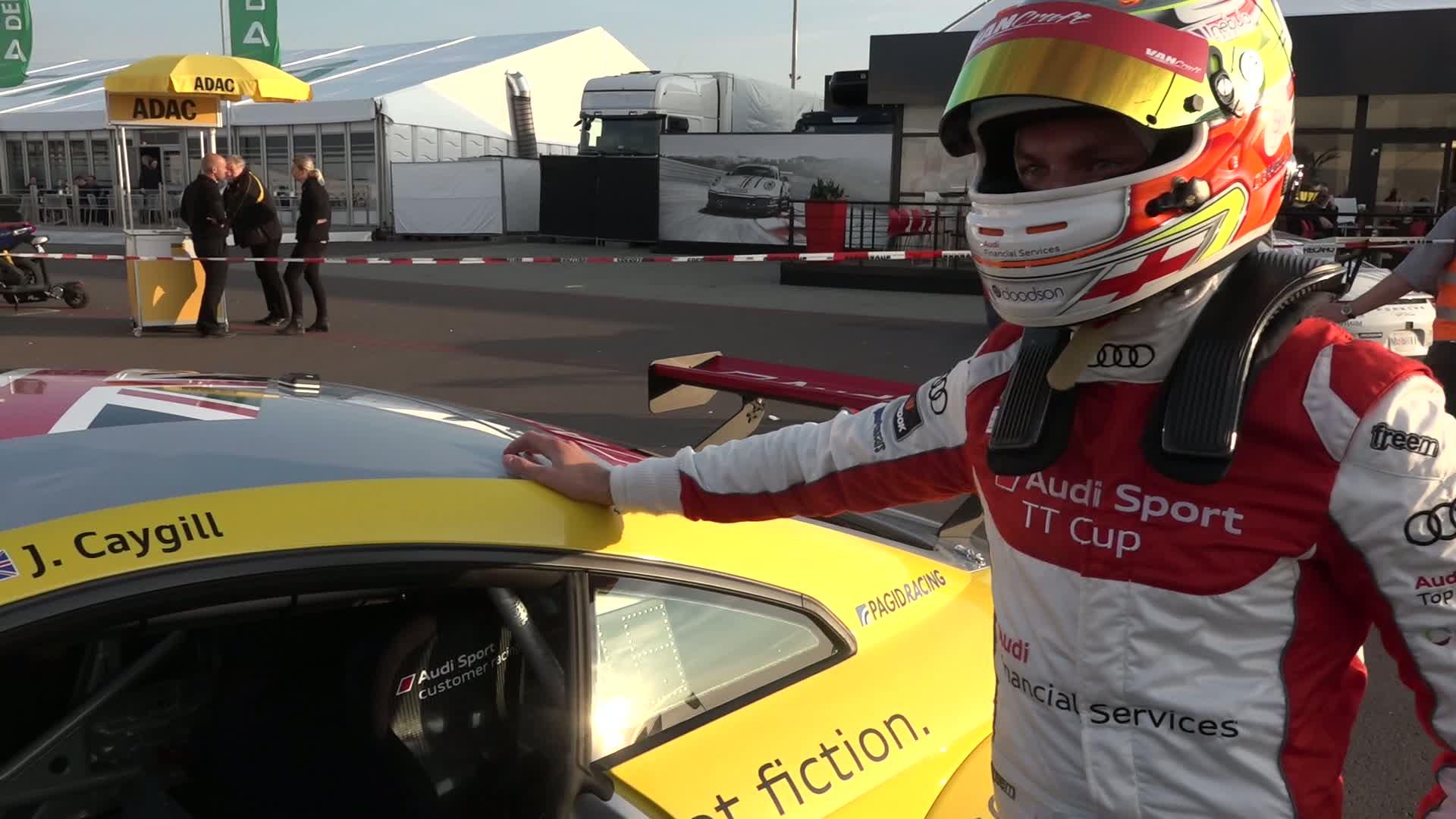 """Audi Sport TT Cup - """"Unser Wochenende"""" mit Josh Caygill in Oschersleben"""