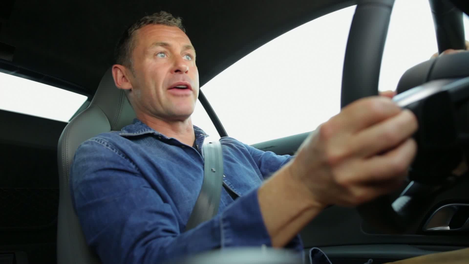 Tom Kristensen fährt den neuen Audi R8 - Extended Version