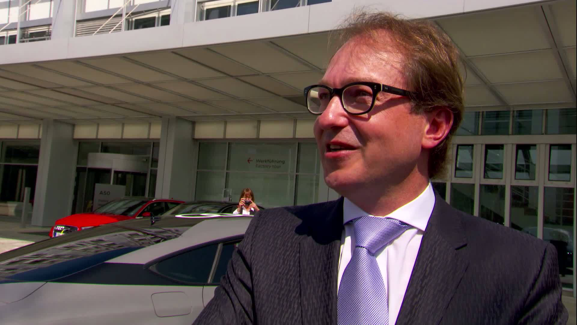 German Federal Minister of Transport tests piloted Audi