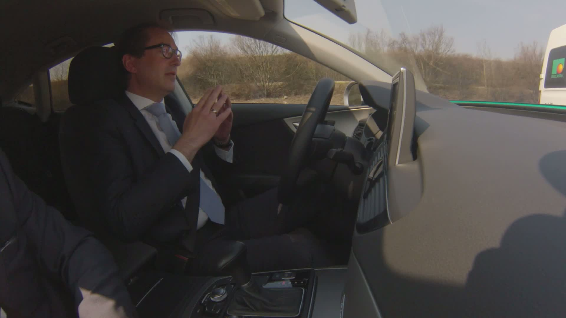 Piloted test drive of Federal Minister of Transport Dobrindt