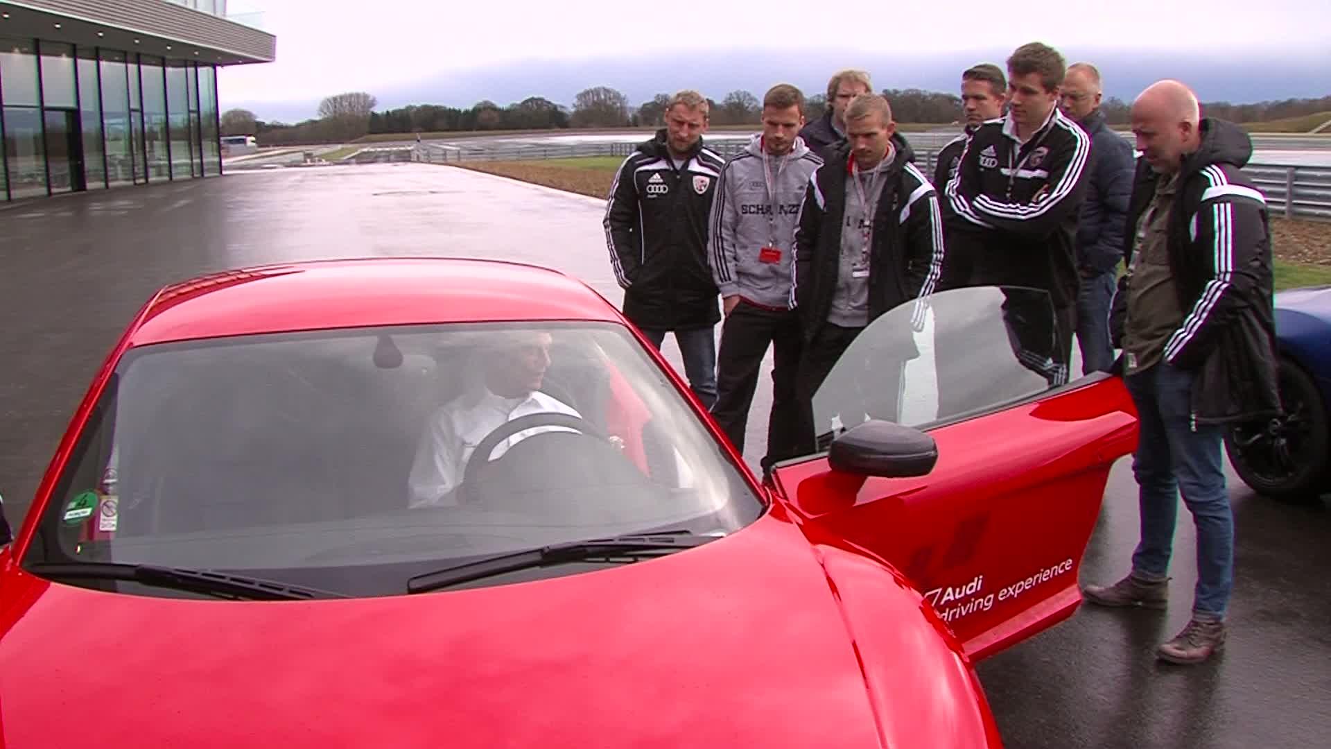 FC Ingolstadt 04 absolviert Audi driving experience
