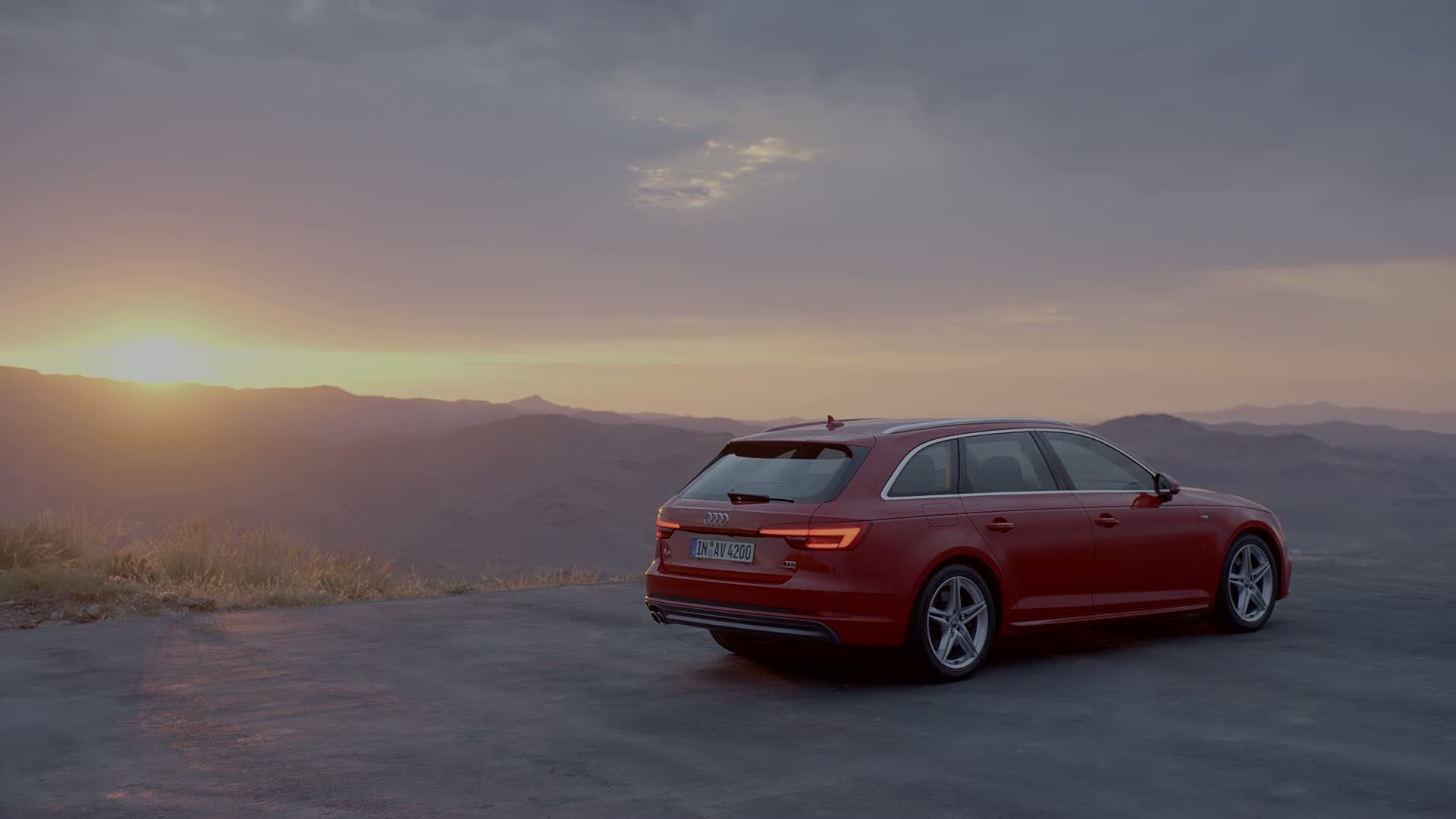 Audi A4 Emotion Trailer - Normal