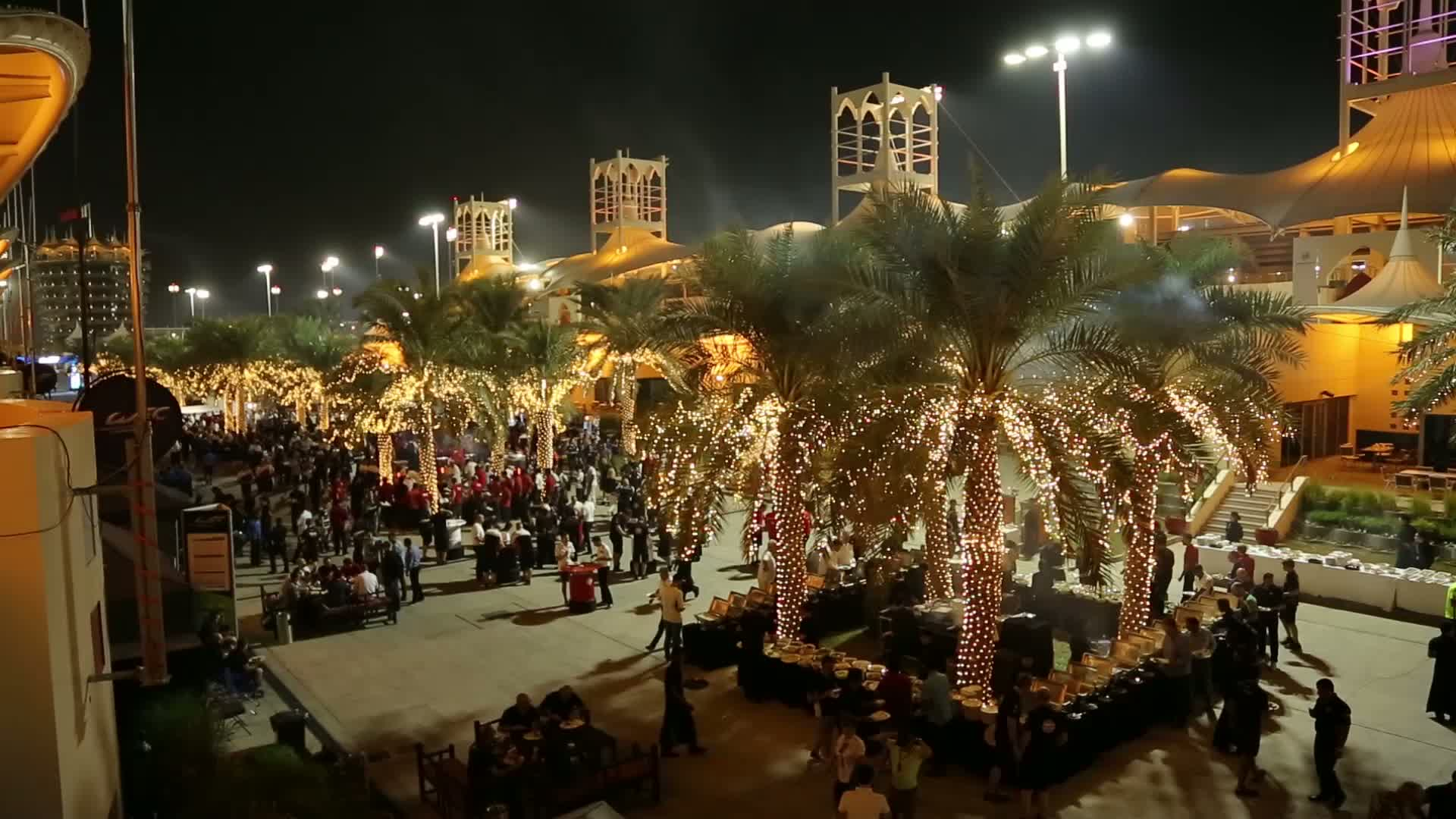 60 Seconds of Audi Sport 101/2015 - WEC Bahrain, Paddock Dinner