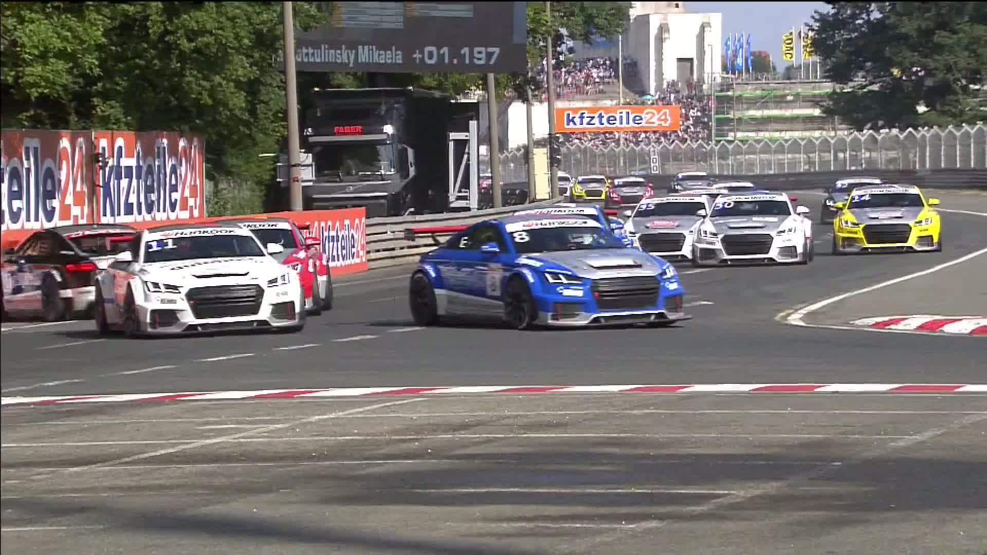 60 Seconds of Audi Sport 48/2015 - Audi Sport TT Cup Norisring, Race 2