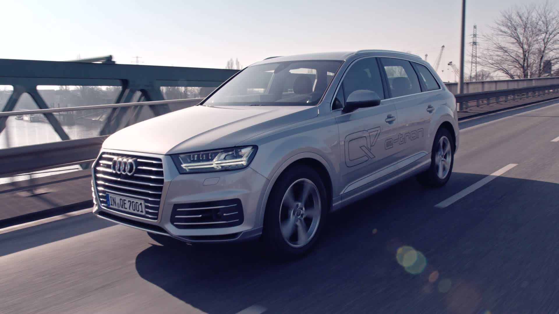 The Audi Q7 e-tron quattro - Trailer