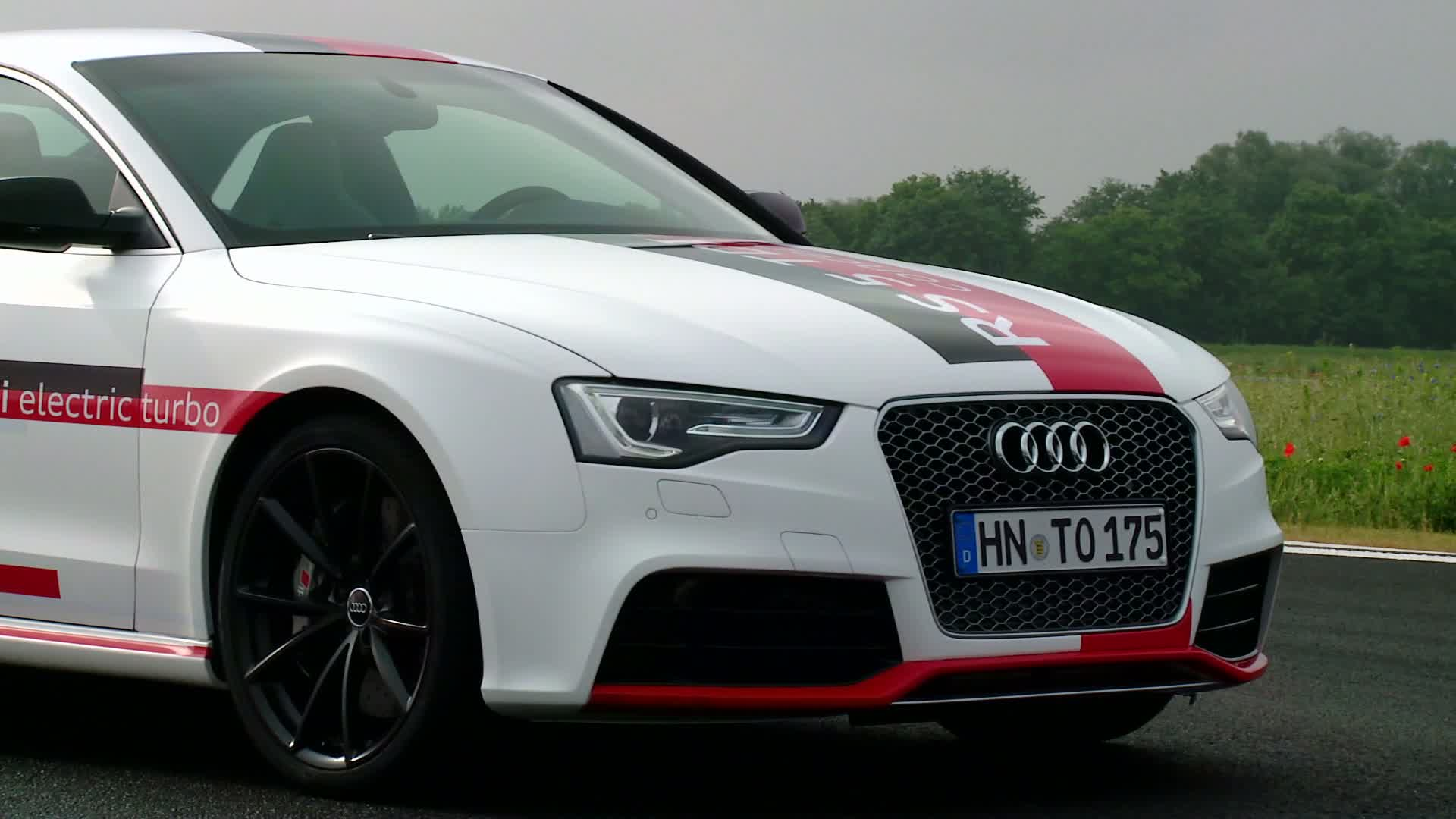The Audi RS 5 TDI Concept - Footage