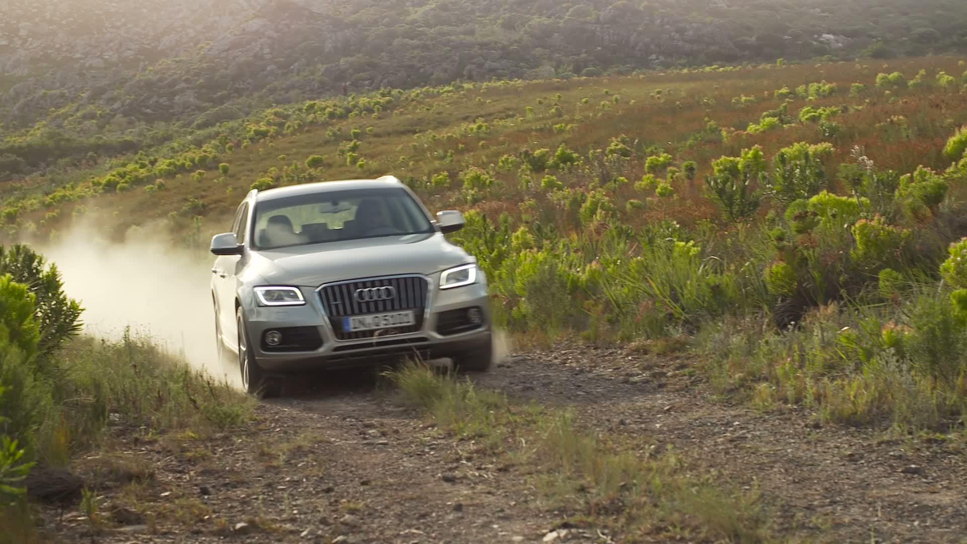 Audi Q5 - Trailer