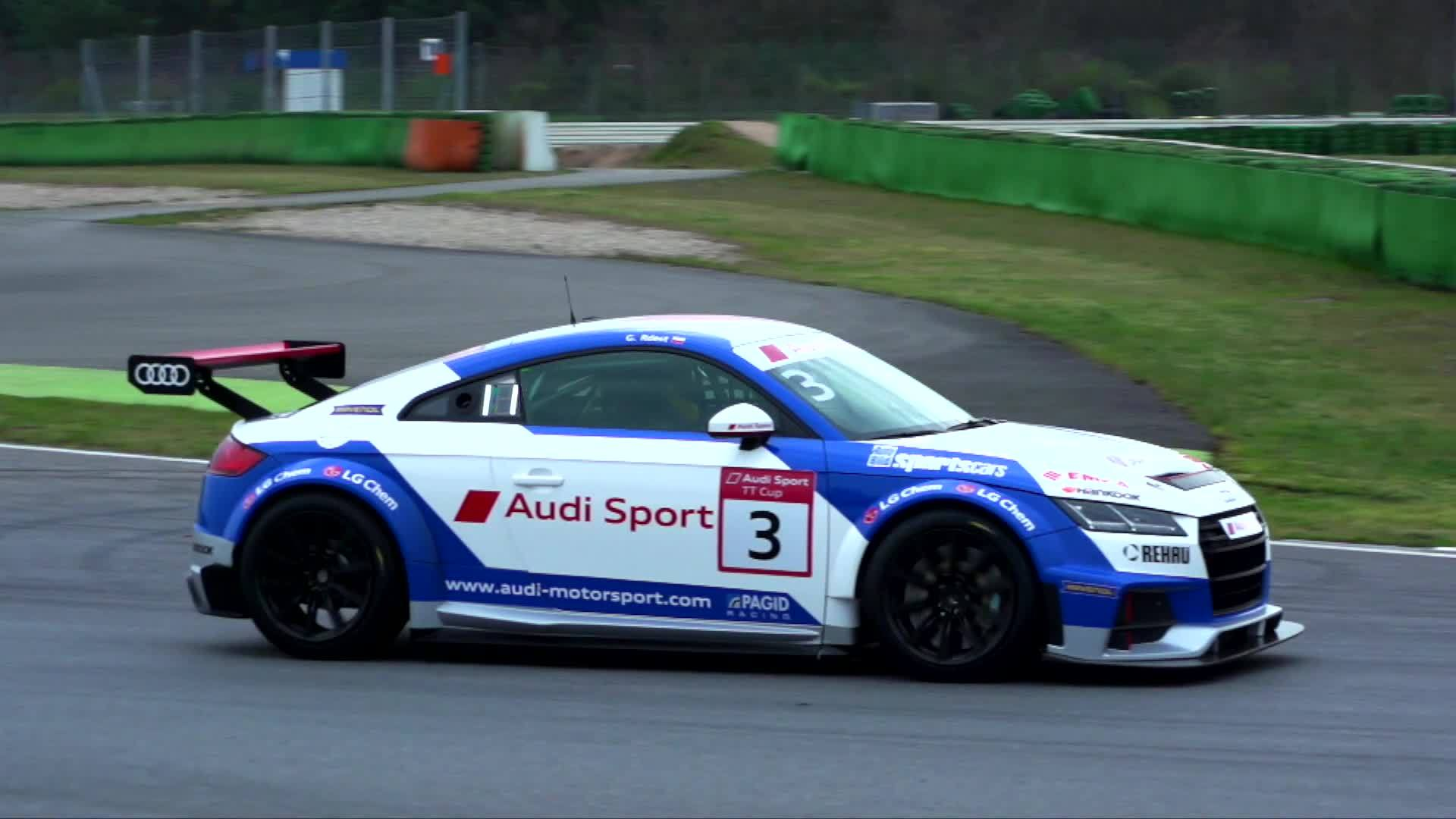 The Audi TT cup – the engine