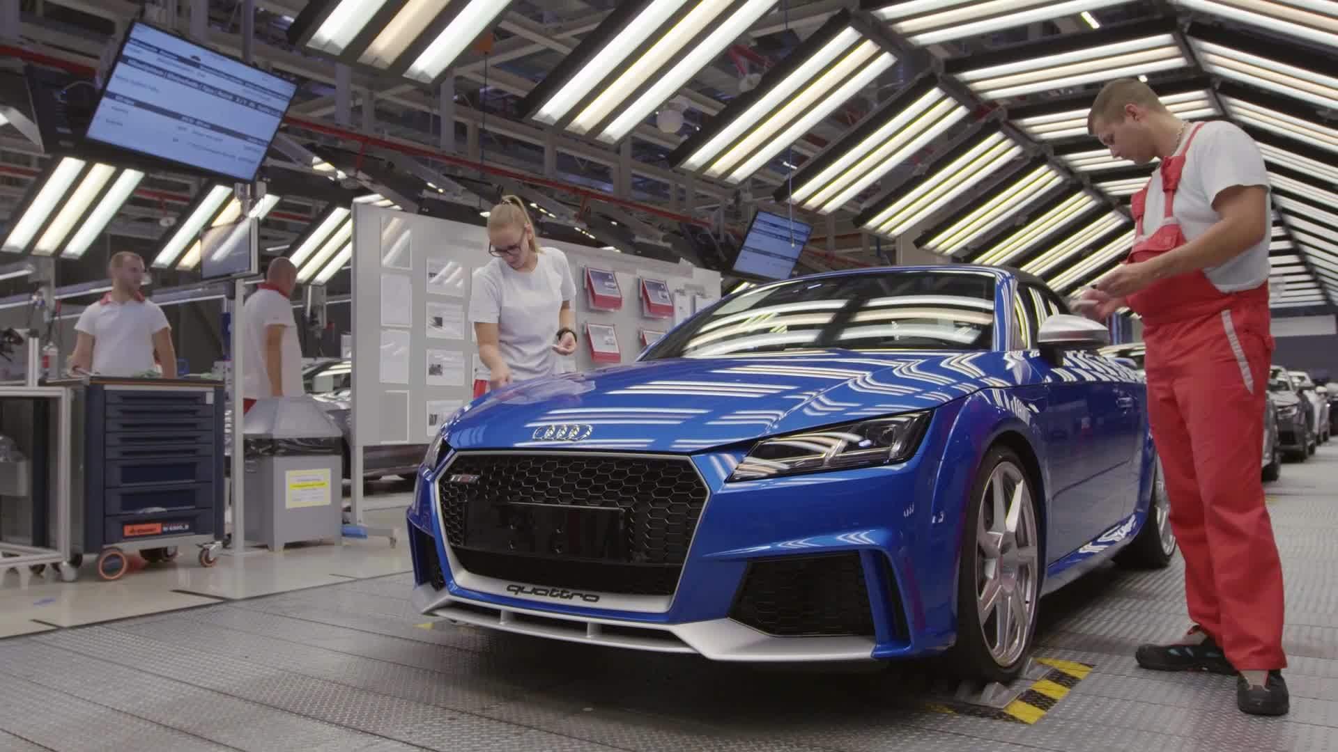 Produktion Audi TT RS am Audi Standort Györ, Ungarn