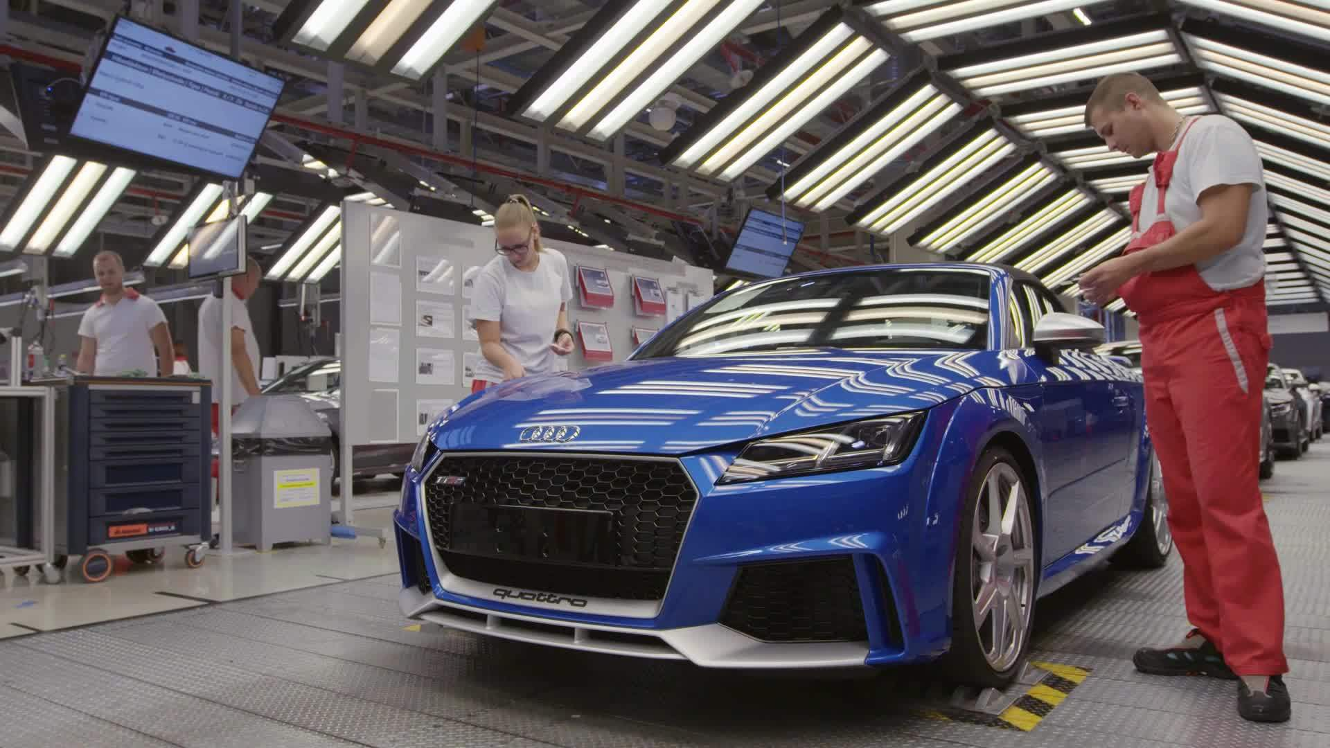 Production Audi TT RS at Audi site Györ, Hungary