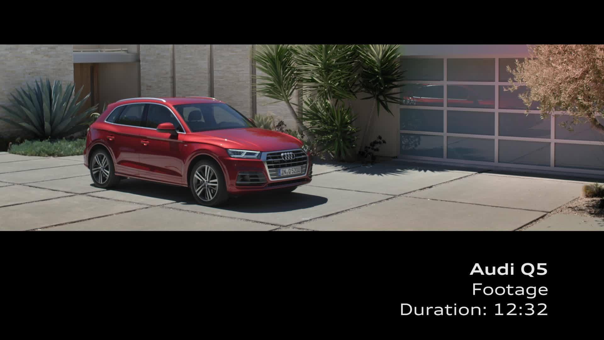 Audi Q5 - Footage Garnet red