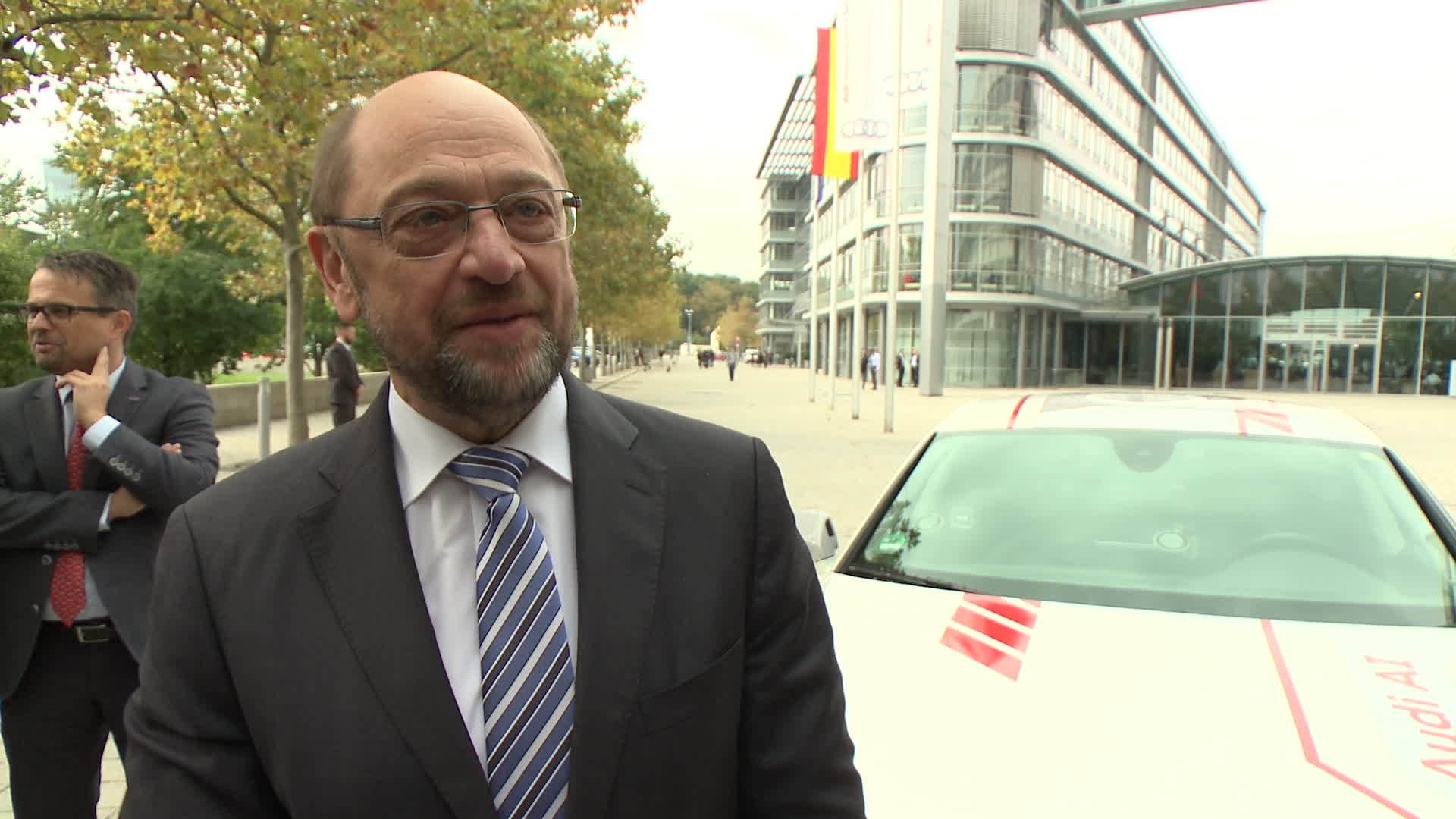 EU-Parlamentspräsident im pilotiert fahrenden Audi A7