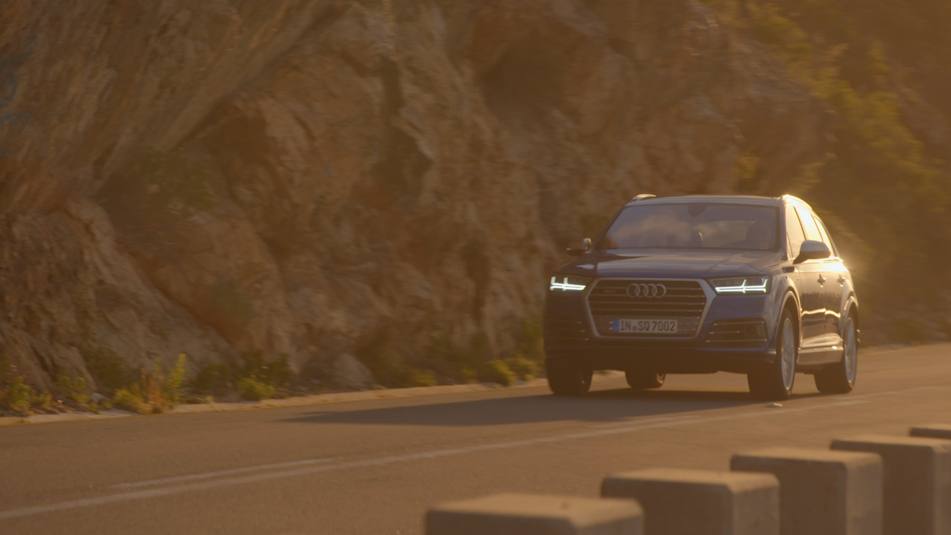 Audi SQ7 TDI - Driving Innovation