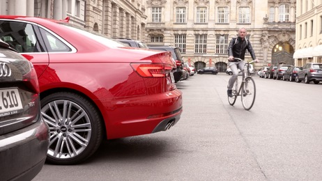 Safely through the city traffic: The Audi driver assistance systems, Part 1