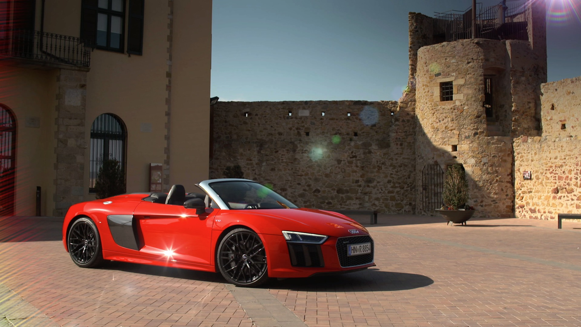 Power all along the line: the Audi R8 Spyder