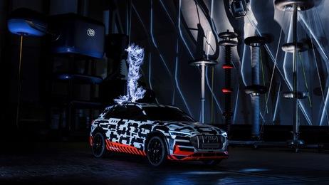 Der Audi e-tron-Prototyp im Faraday'schen Käfig