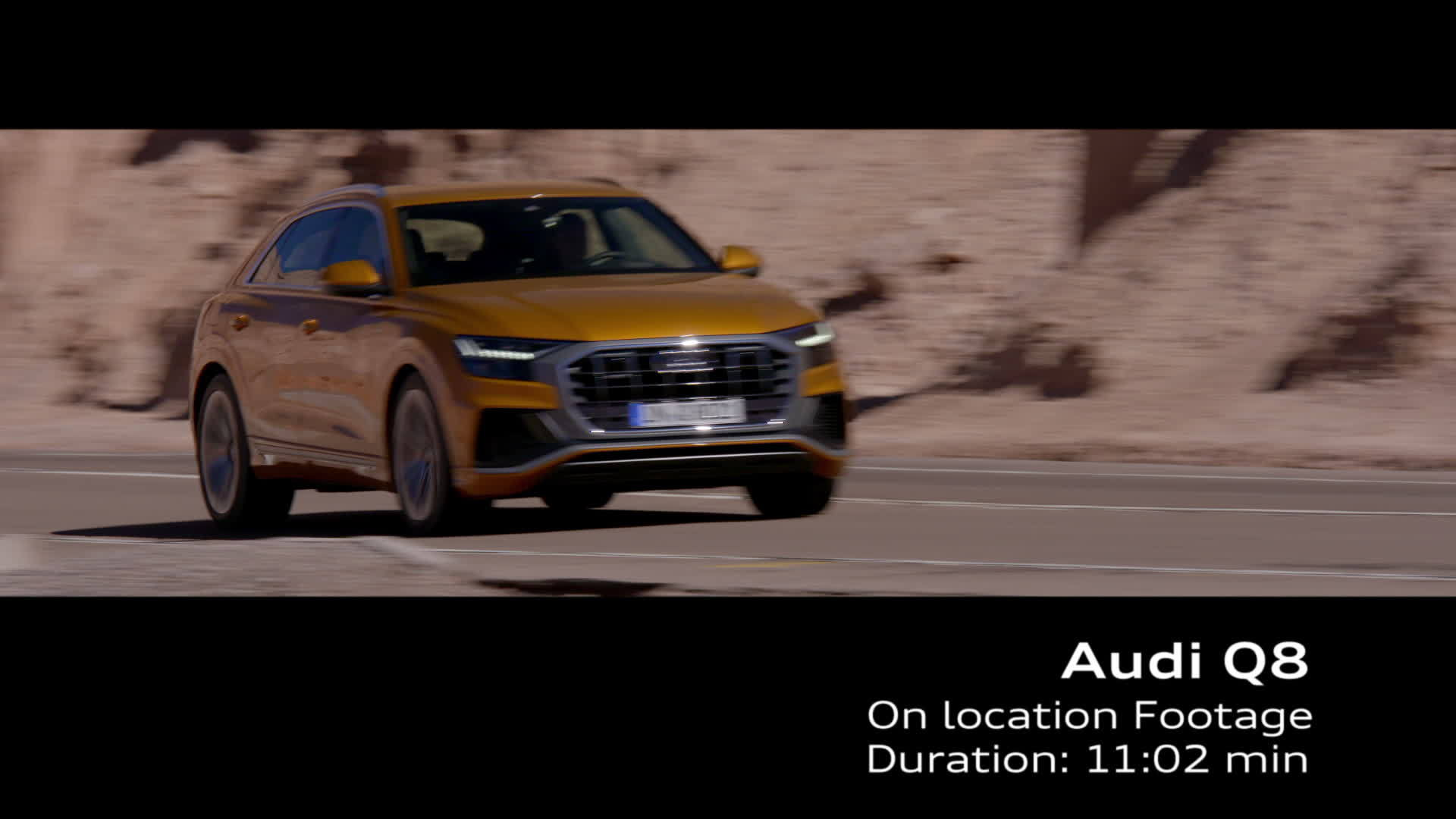 Audi Q8 Footage Chile Dragon orange