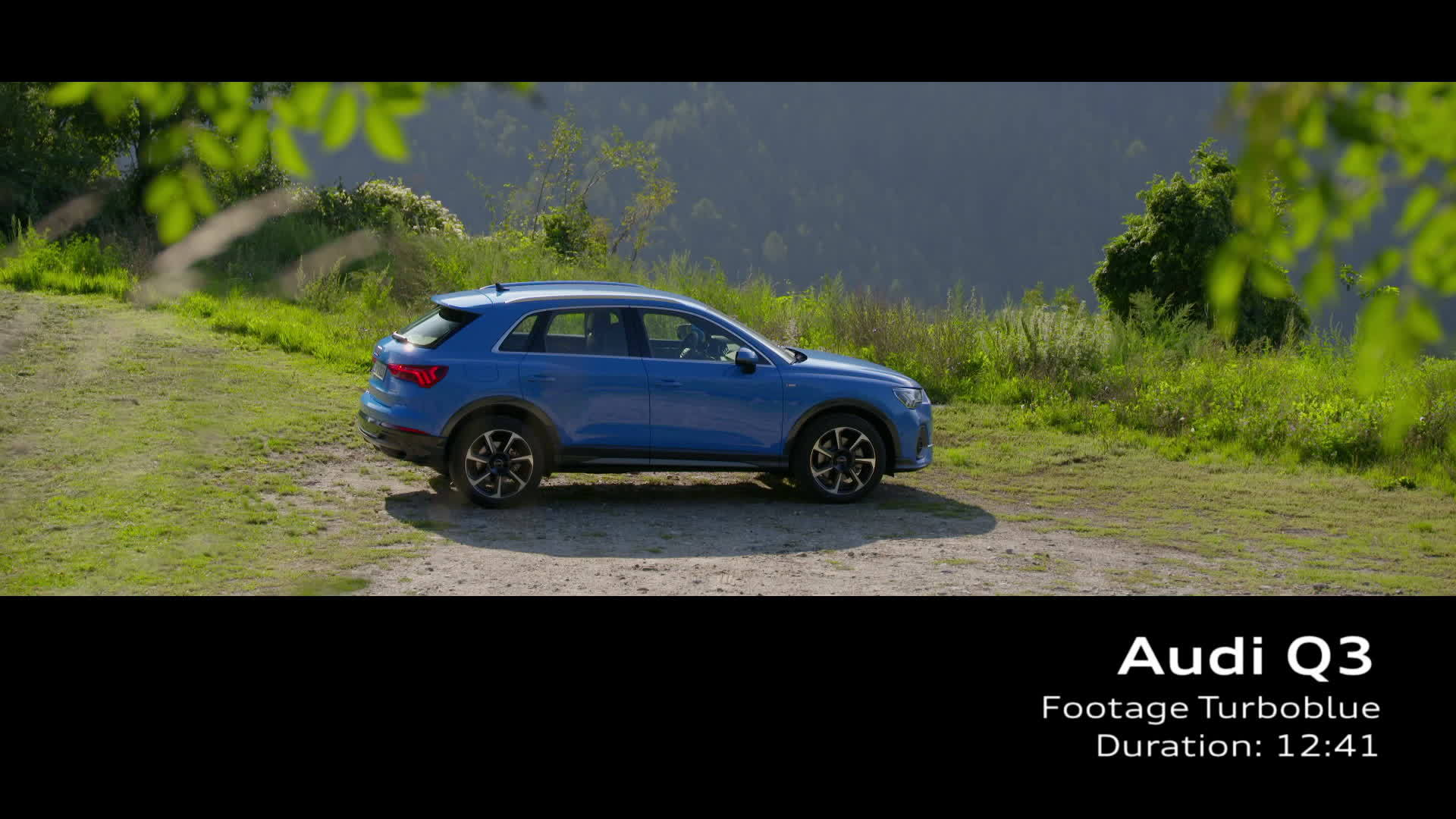 Audi Q3 Footage Turboblau (2018)
