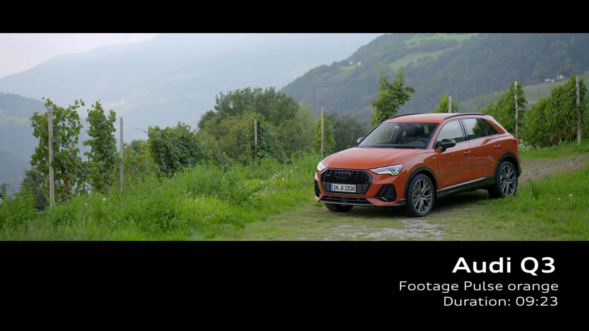 Audi Q3 Footage Pulse orange (2018)