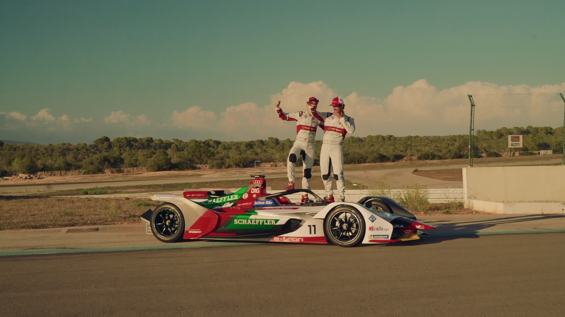 Audi unveils e-tron FE05 for new Formula E season
