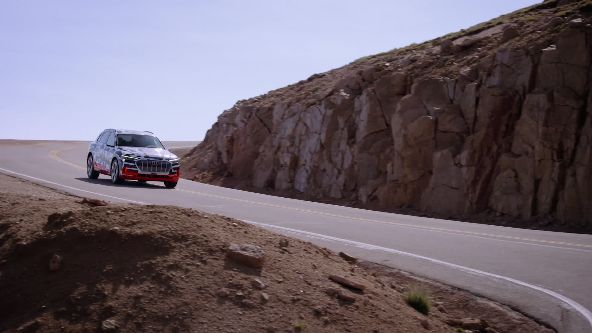 Going downhill – the Audi e-tron prototype braking test at Pikes Peak