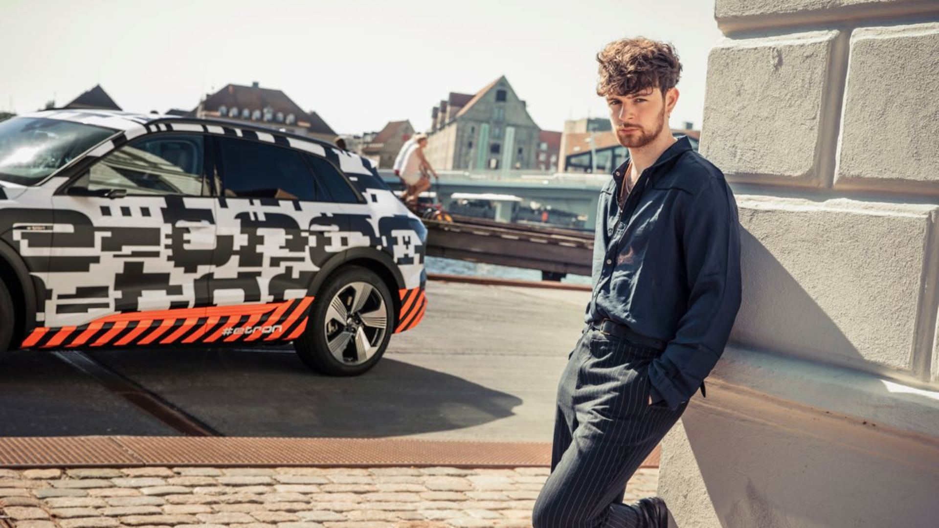 The Audi e-tron prototype on stage with singer Tom Grennan