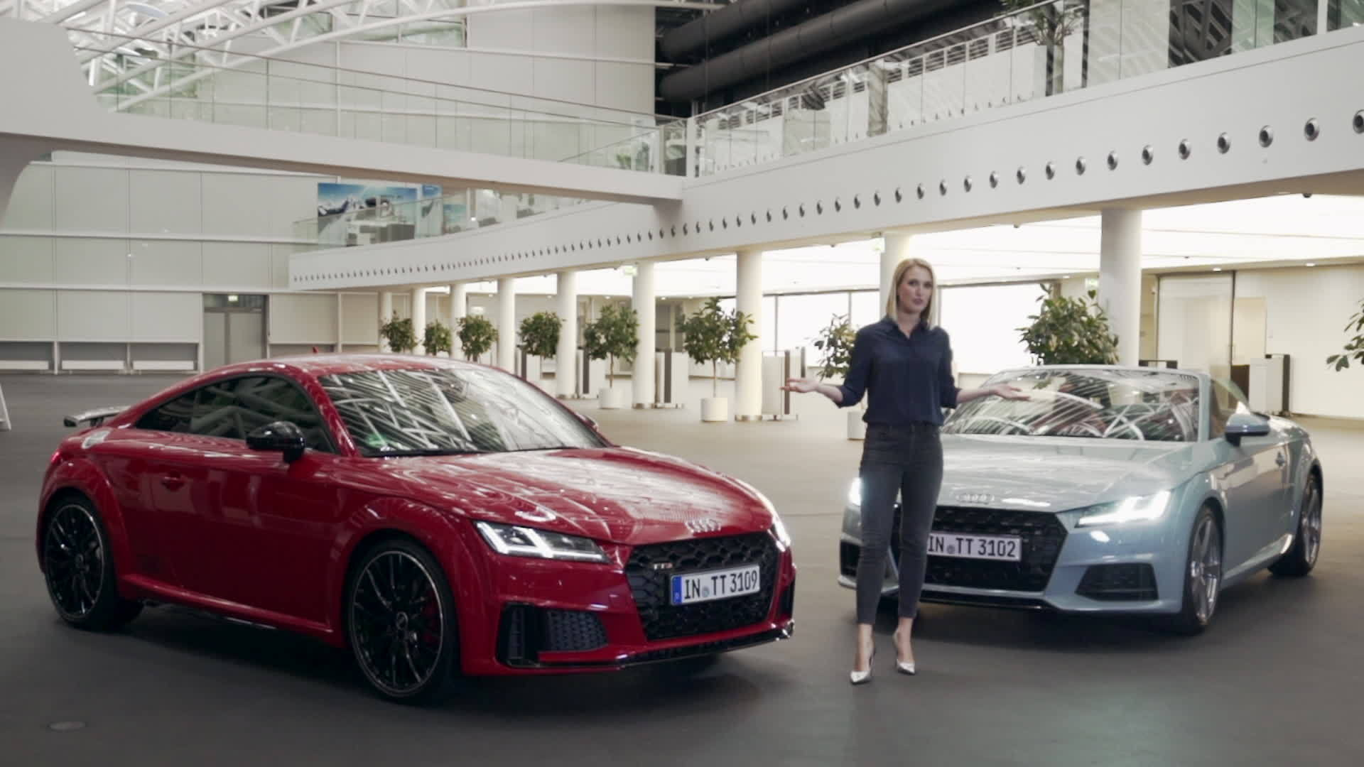 Ruth Hofmann präsentiert Audi TT 20 years und die TT Familie