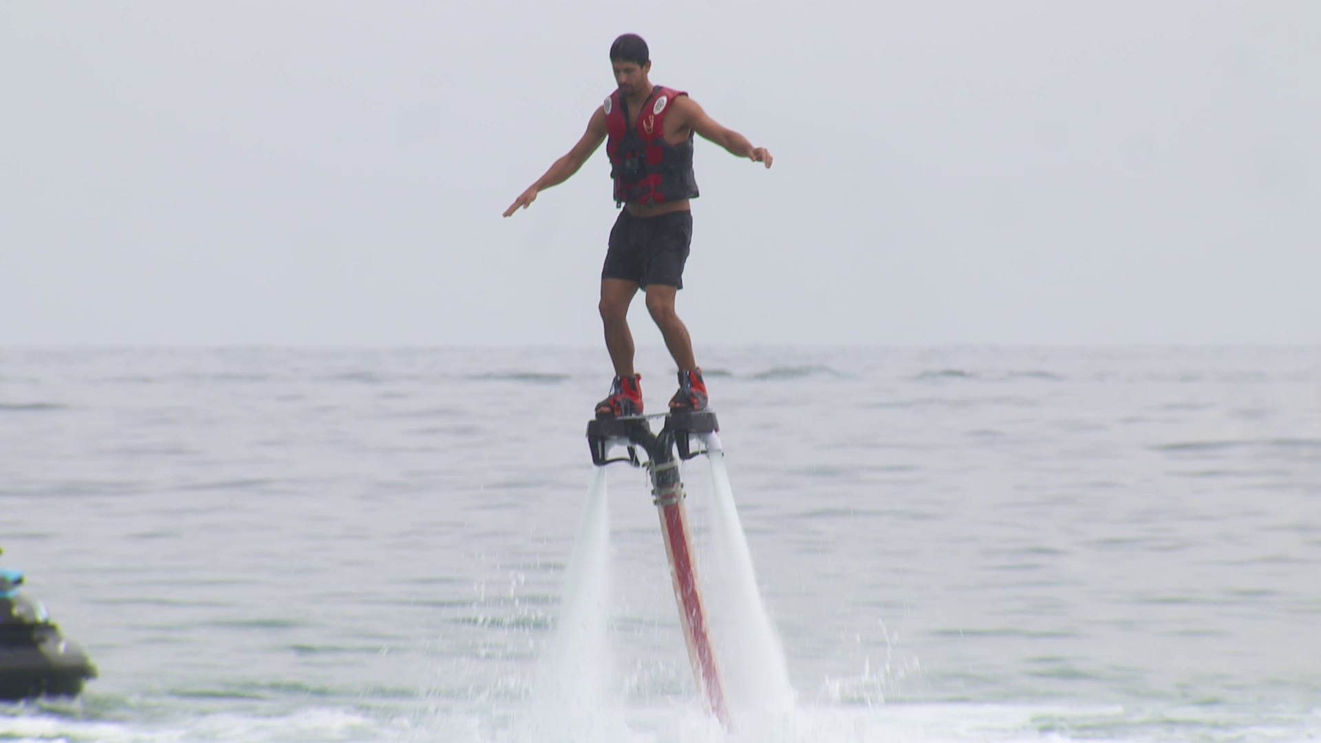 Welcome to Sanya: From racing to flyboarding