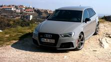Power im kompakten Format – der neue Audi RS 3 Sportback Trailer